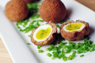 Thịt bọc trứng lòng đào giòn rụm ngon bất ngờ