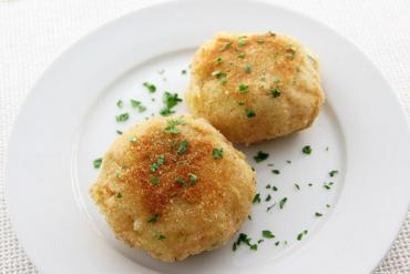 Cách làm bánh cá hồi với khoai tây nghiền